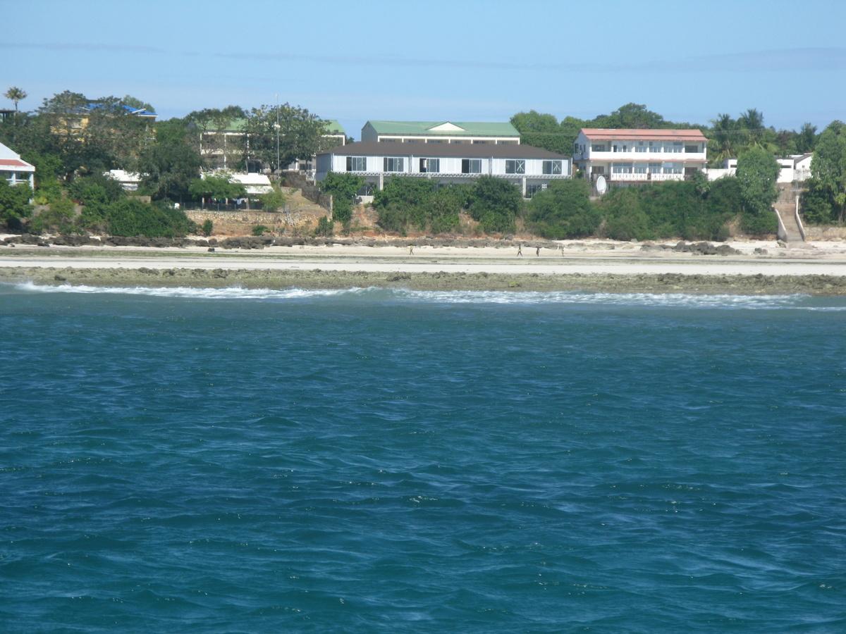 Maringanha beachfront from the sea